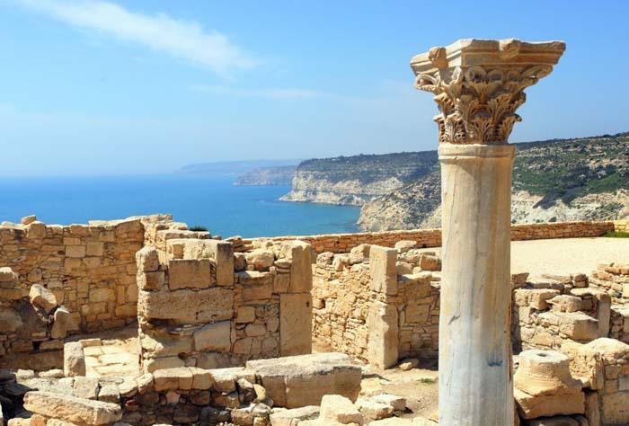 Погода в липні робить екскурсії по Кіпру не комфортно.