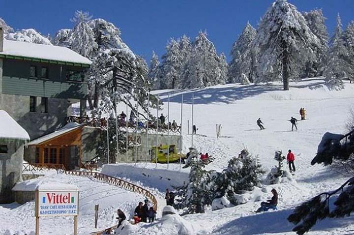 Катание на лыжах на Кипре зимой.