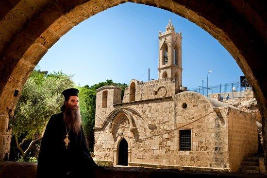 Средневековый монастырь Айя Напы